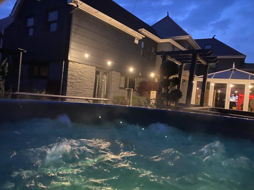 bubbling hot tub at brightham house hotel salcombe