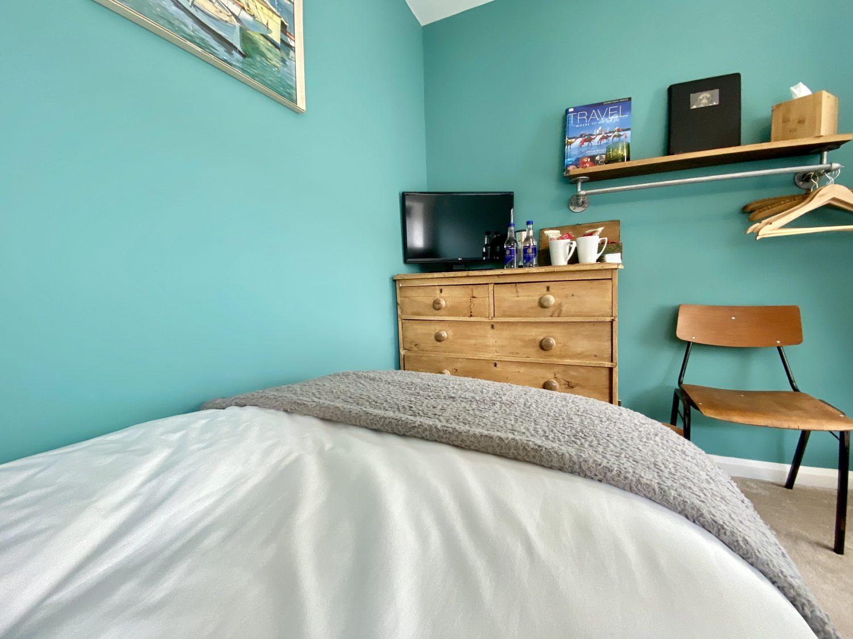 Cosy Twin Bedroom